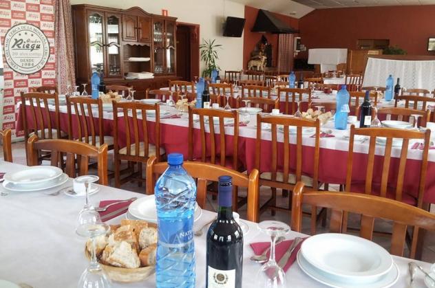 En Asador Riegu ofrecemos servicio de menús para grupos de paso. Consultanos!